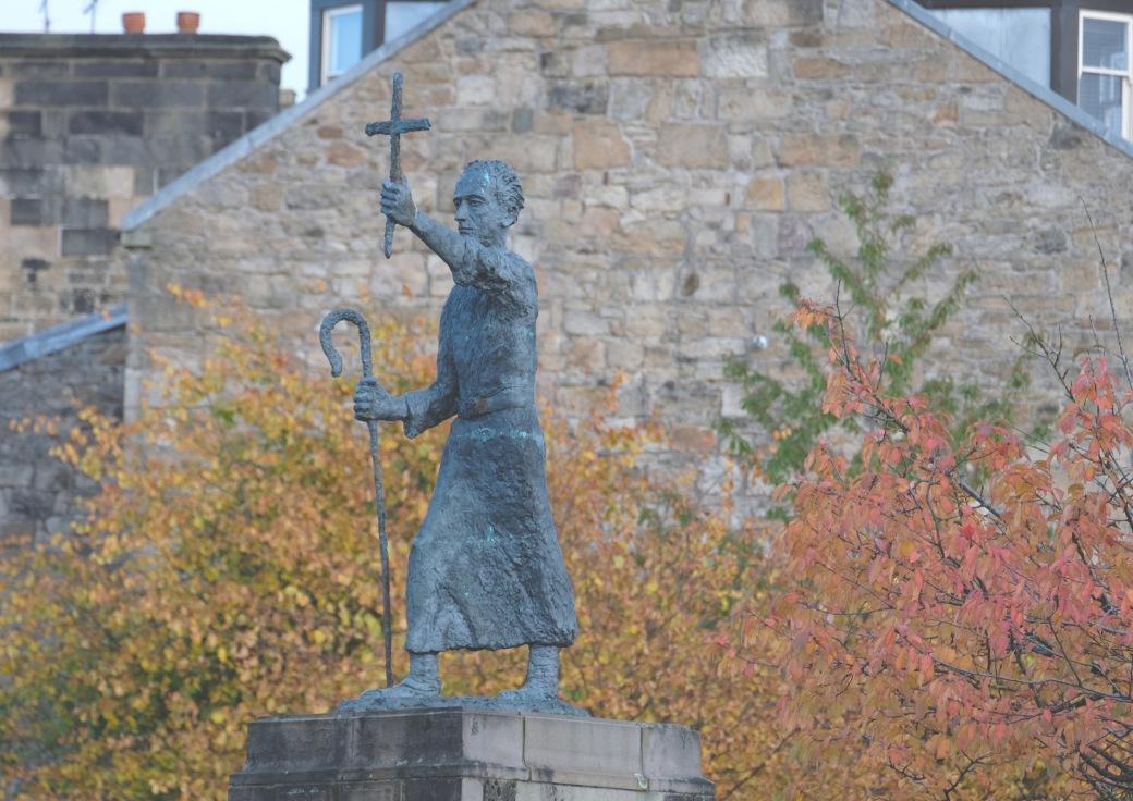 St Mirin (Mirren) statue, Paisley.jpg